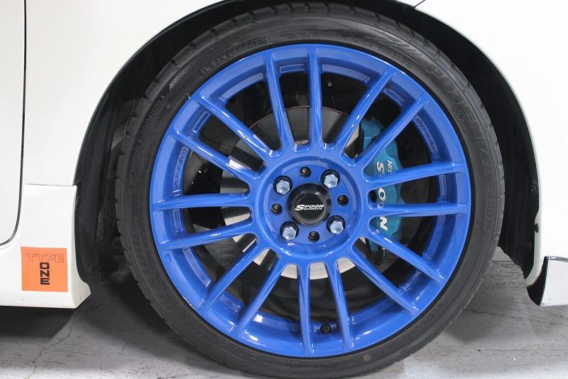 Покраска и пленочные покрытия для дисков автомобилей